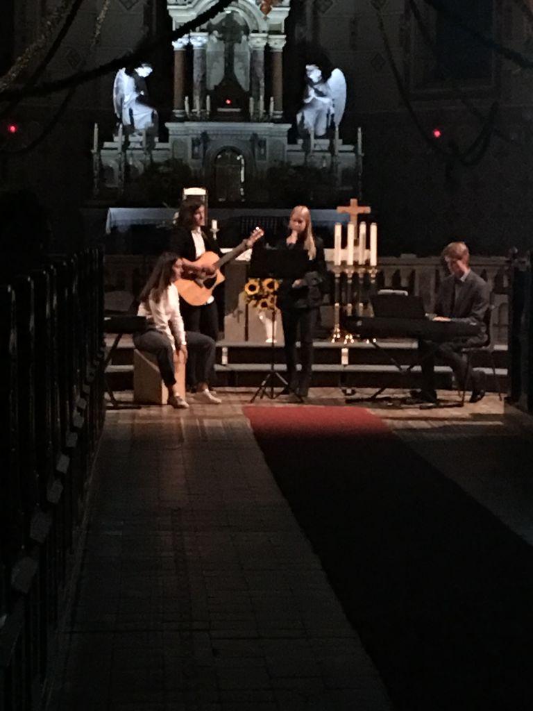 Čudovito na 10. koncertu Marijinih pesmi