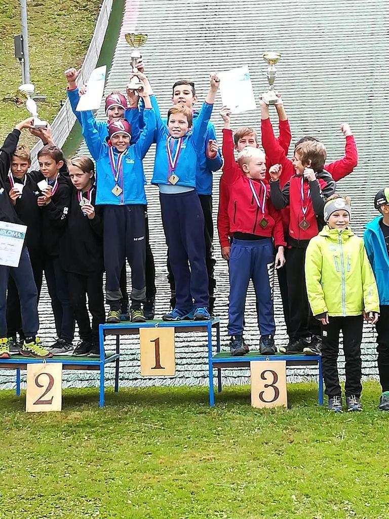 Ekipni državni prvaki v skokih solo – dečki do 12 let