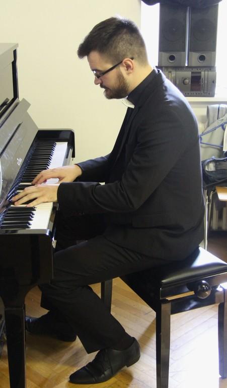 Maestro Matevž Pušnik je prejel posebno priznanje za obetavnega zborovodjo.
