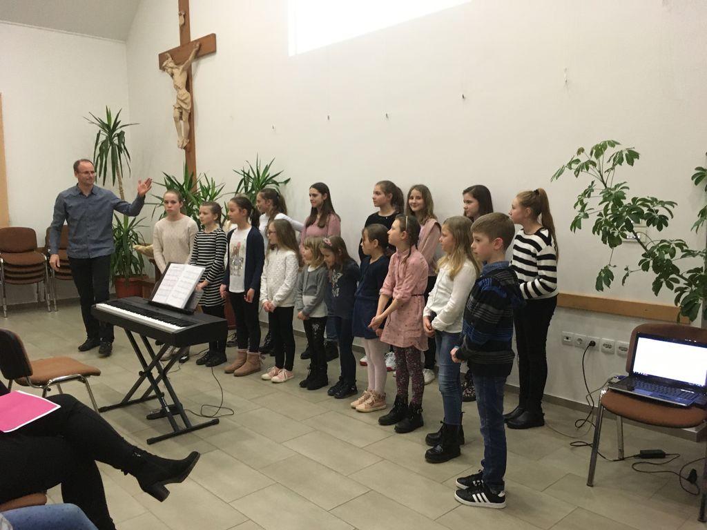 Otroški pevski zbor Hozana
