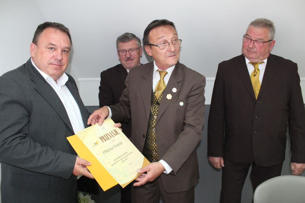 Občina Vojnik nominirana  za čebelam najbolj prijazno občino