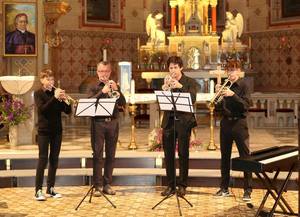Kvartet trobent (Erik in Karli Brezovšek, Blaž Marčič in Nejc Zakonjšek)