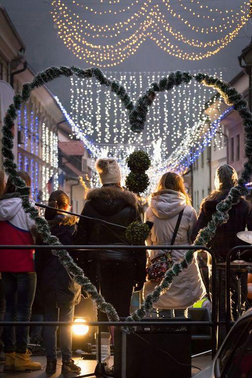 V mestu dobrih misli iz želja bo vse do konca leta veselo