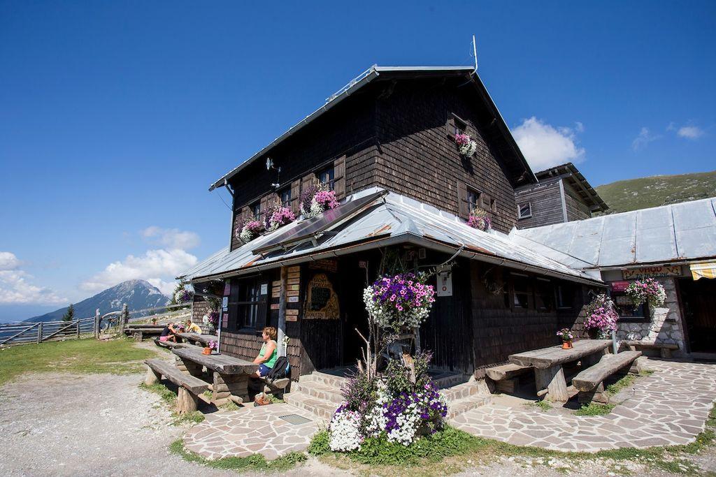 Dom na Kofcah, naj planinska koča 2019