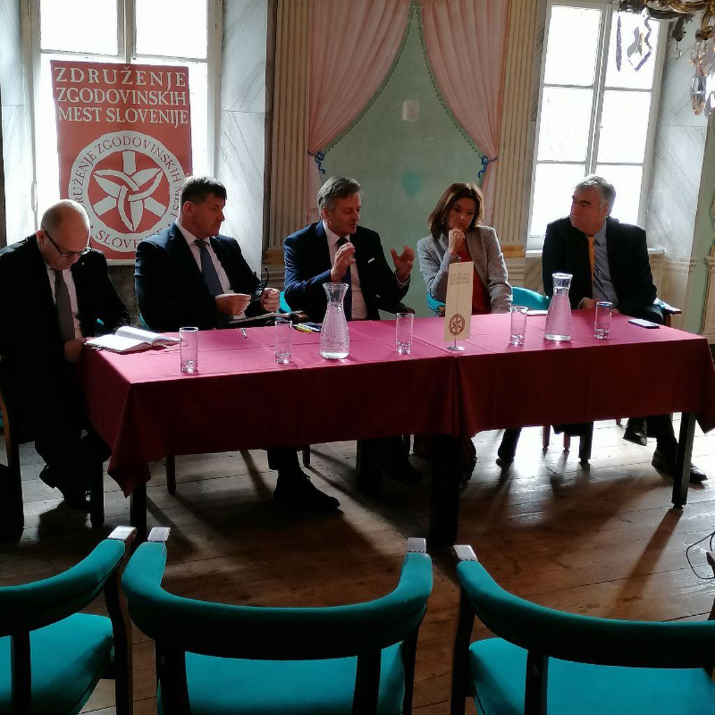 Po letni skupščini Združenja zgodovinskih mest Slovenije še pogovor županov z evroposlanci o novi perspektivi 2021-2027