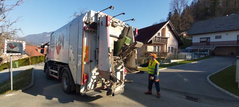 Komunala Tržič skrbi za odvoz odpadkov (foto_arhiv Komunale Tržič)