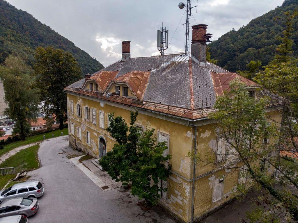 Grad Neuhaus (foto_arhiv Občine Tržič)