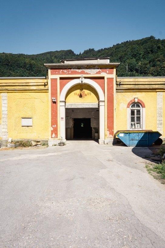 Vhod v tovarno BPT (foto: Manca Krošelj)