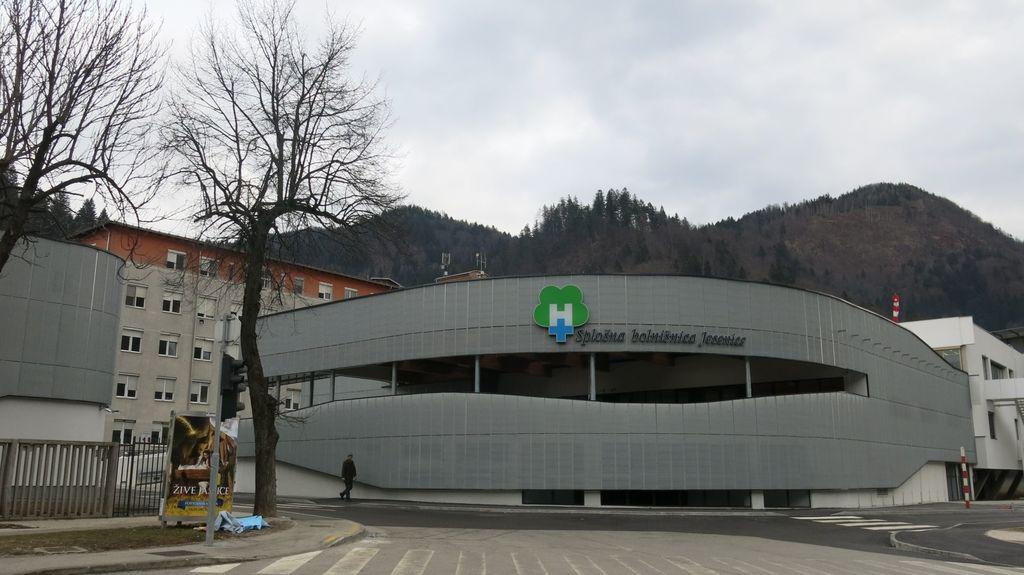 O novi regijski bolnišnici naj se najprej izjasni stroka