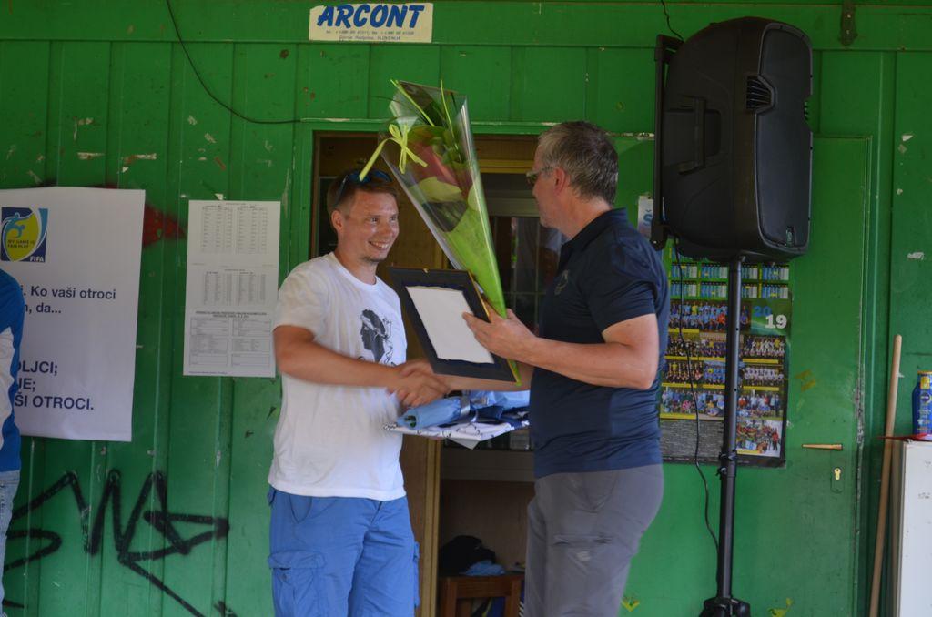 Zahvala dosedanjemu trenerju Iztoku Pavcu
