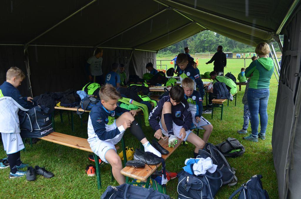 Preoblačenje v šotoru