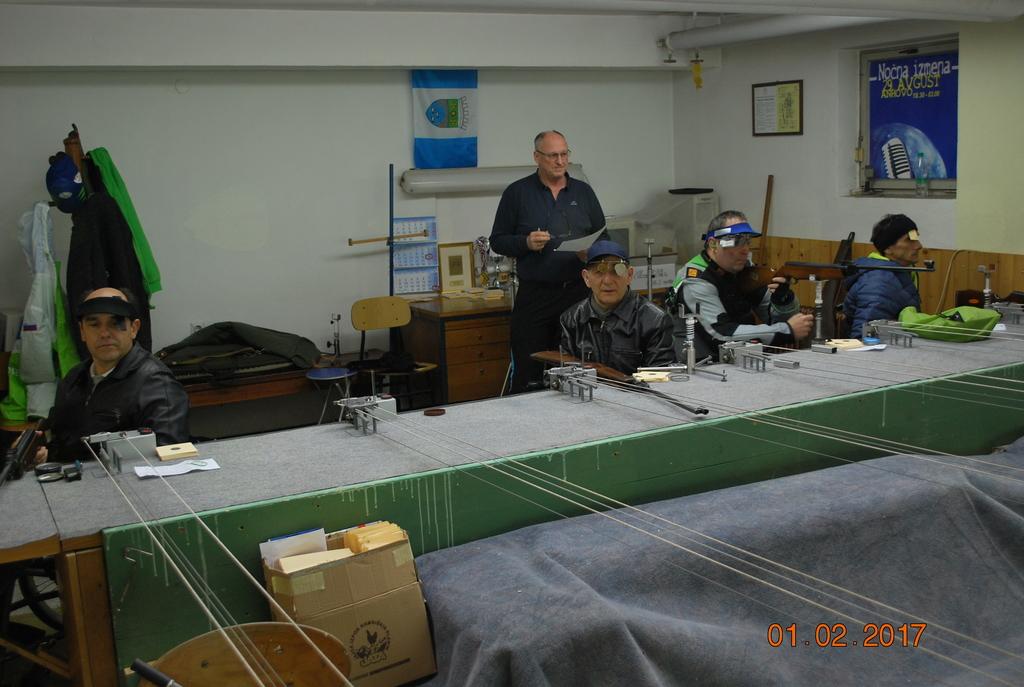 Drugi z desne strani Franček Gorazd Tiršek. Foto: Henrik Valentinčič
