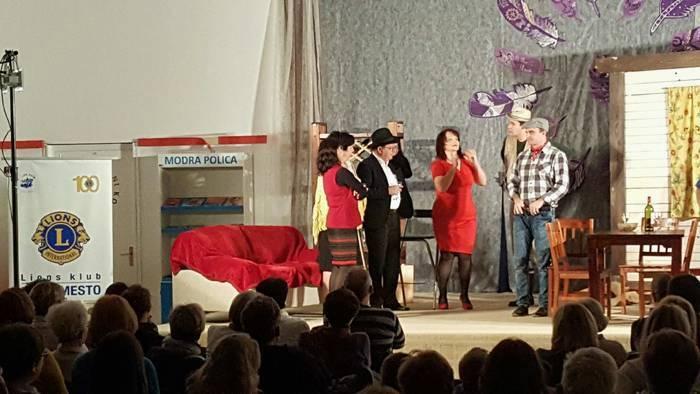 SLIKAR NA VASI: komedija Toneta Partljiča v izvedbi Dober dan teatra Prečna