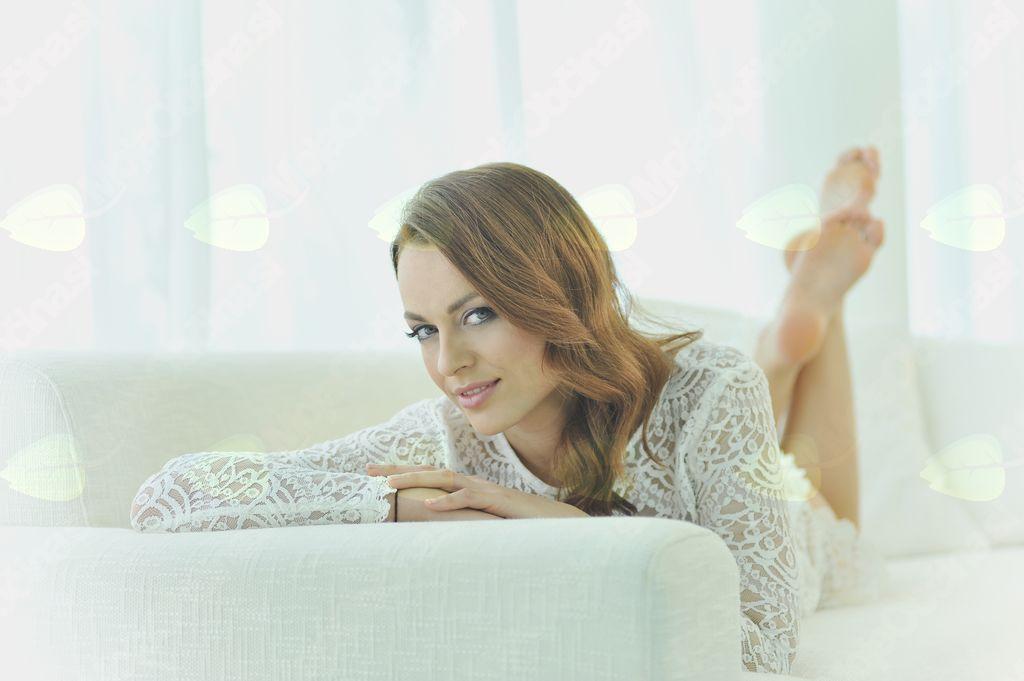 Hrvaška pevka Antonija Šola bo predstavila svojo novo balado »Tvoja«.