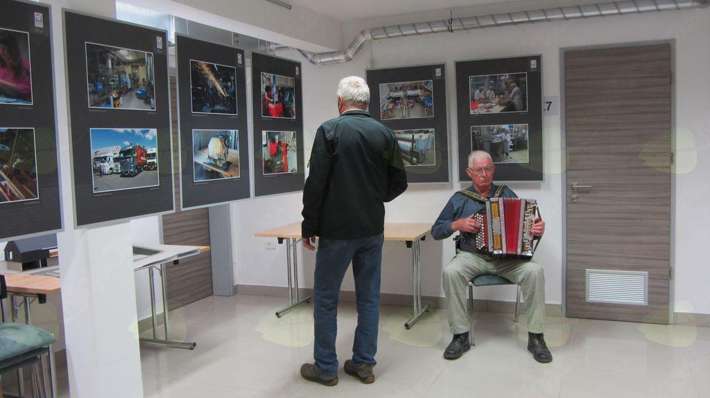 Fotografska razstava v Občini Gorje ob 50-letnici delovanja OOZ Radovljica