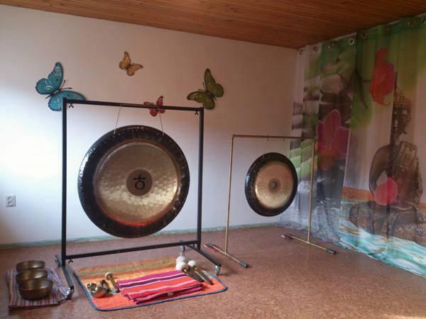 Zvočna kopel z gongi in priklic ljubezni