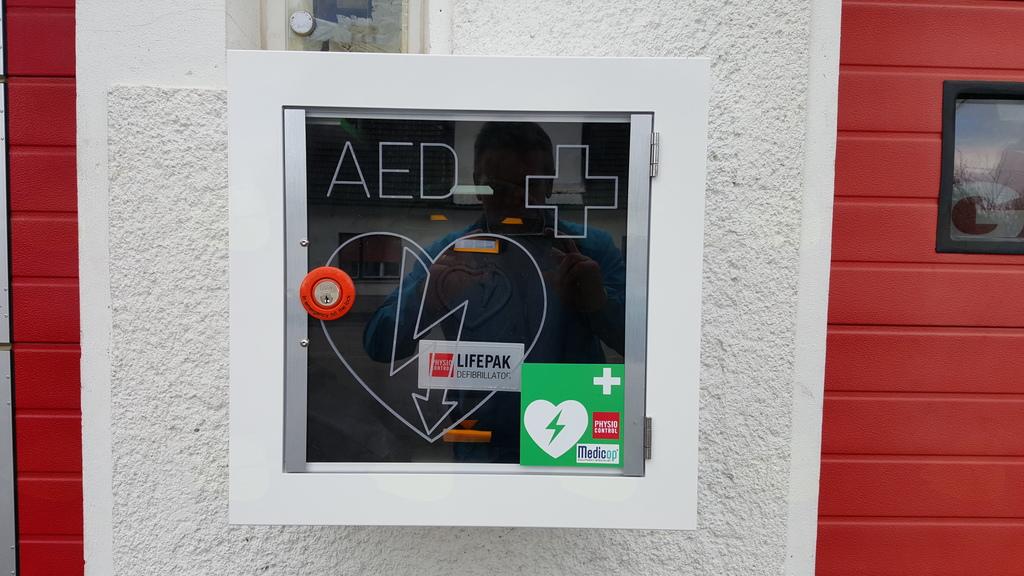 Usposabljanje iz TPO z uporabo AED za občane KS Drenov Grič - Lesno Brdo