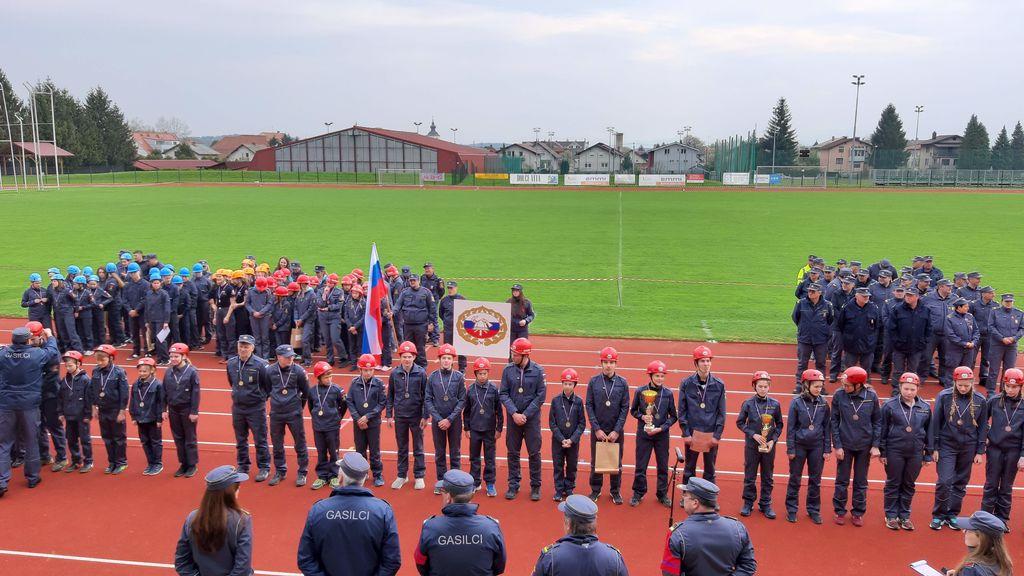 Mladinska ekipa PGD Drenov Grič - Lesno Brdo bo zastopala Slovenijo na mladinski gasilski olimpijadi, ki bo julija letos v Švici.