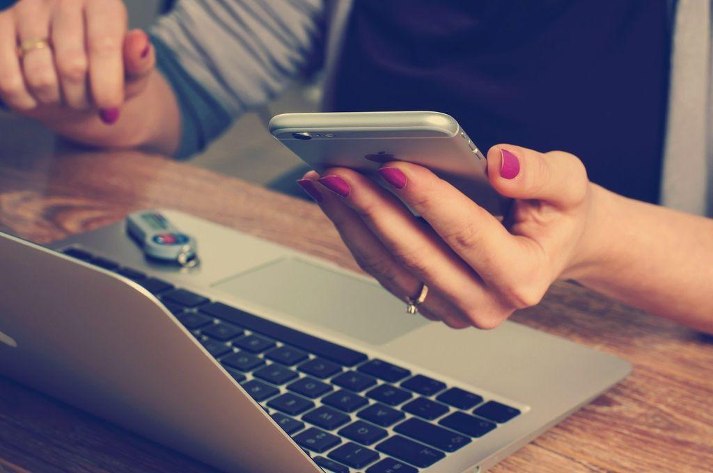 SPLETNI TEČAJ NAPREDNA UPORABA PAMETNIH TELEFONOV