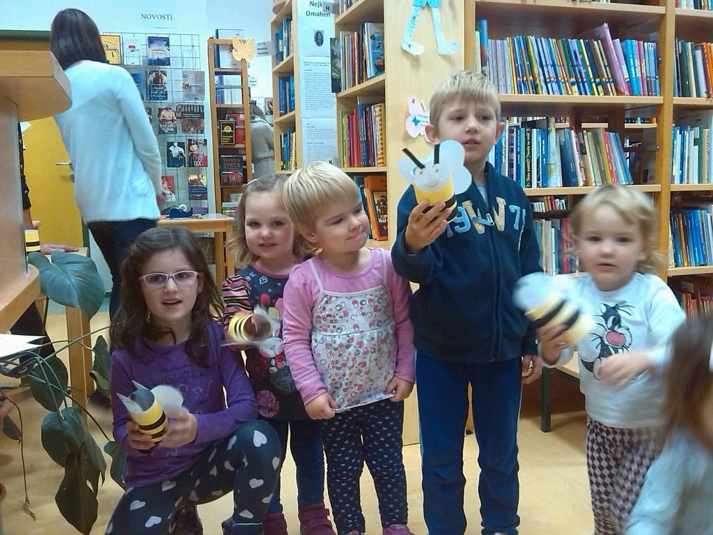 Čebelice v Knjižnici Dvor