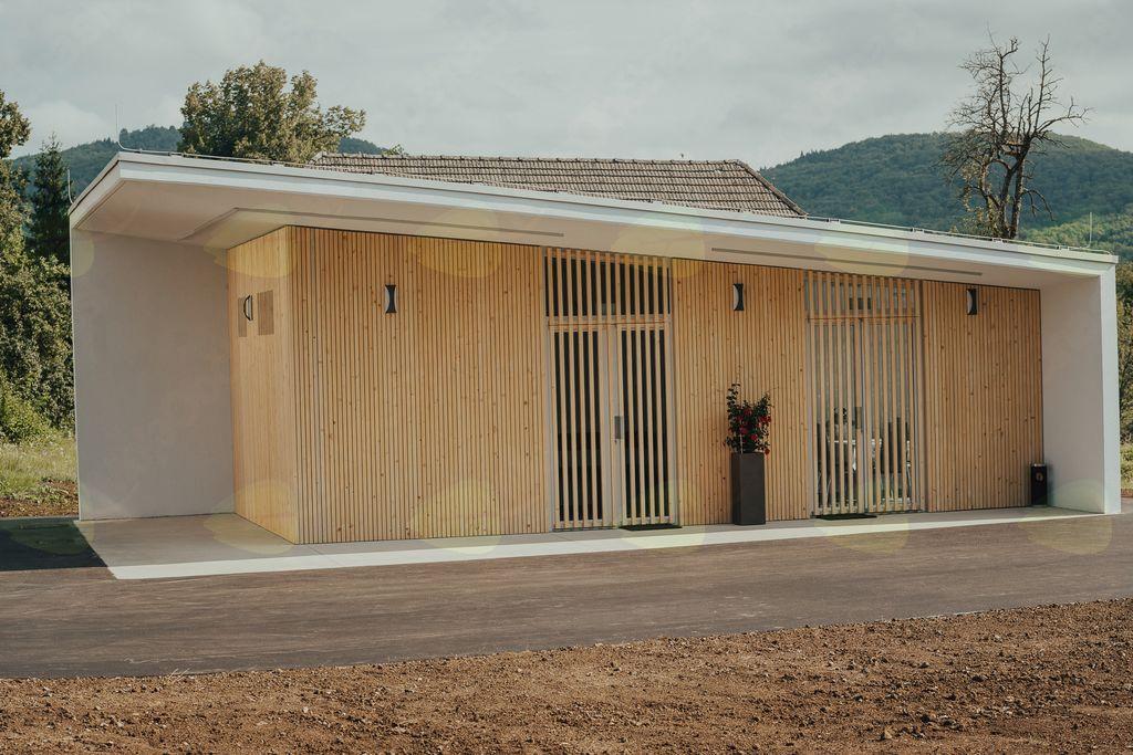 Razmišljanje ob otvoritvi poslovilne vežice v Šmihelu