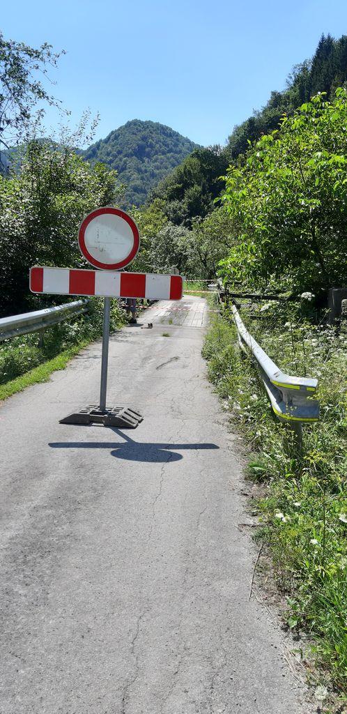 Zaprt most na javni poti Ločica–Juteršek