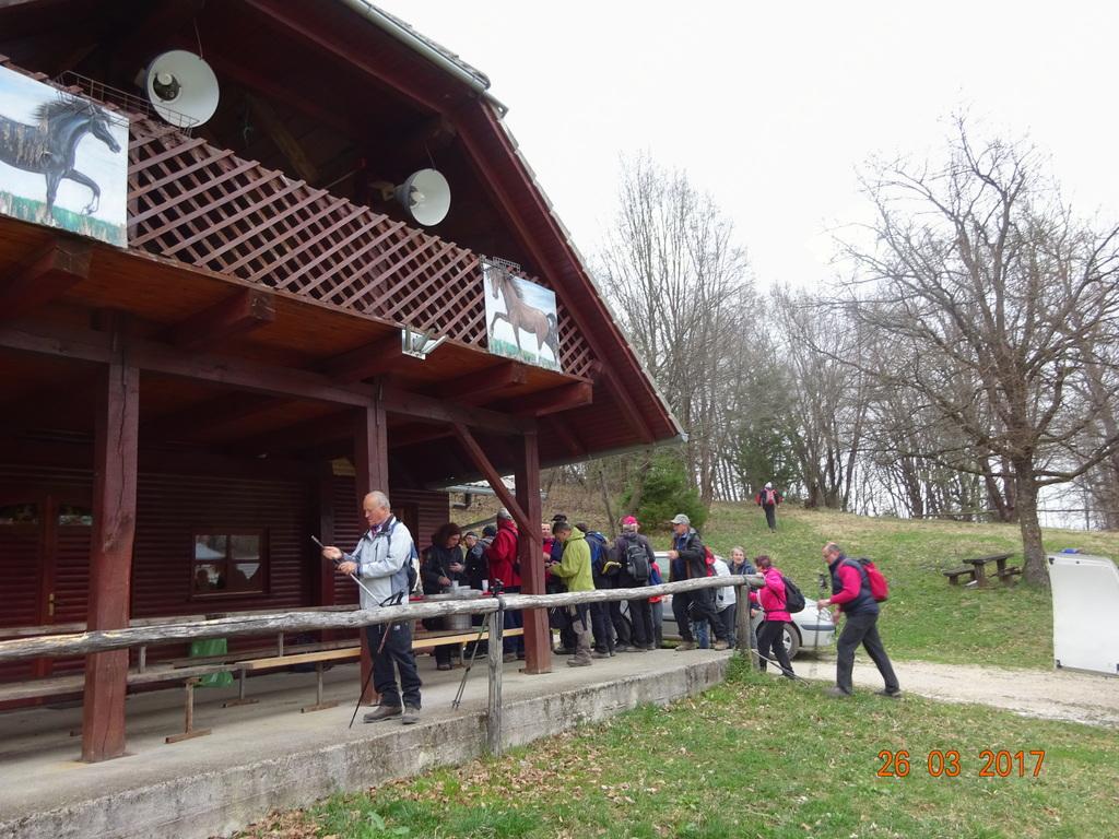 11. tradicionalni Kmetov pohod z Dvora na konjerejsko Plešivico