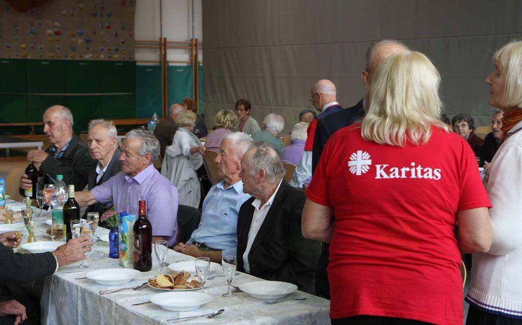 Prijetno druženje starejših Vranšanov