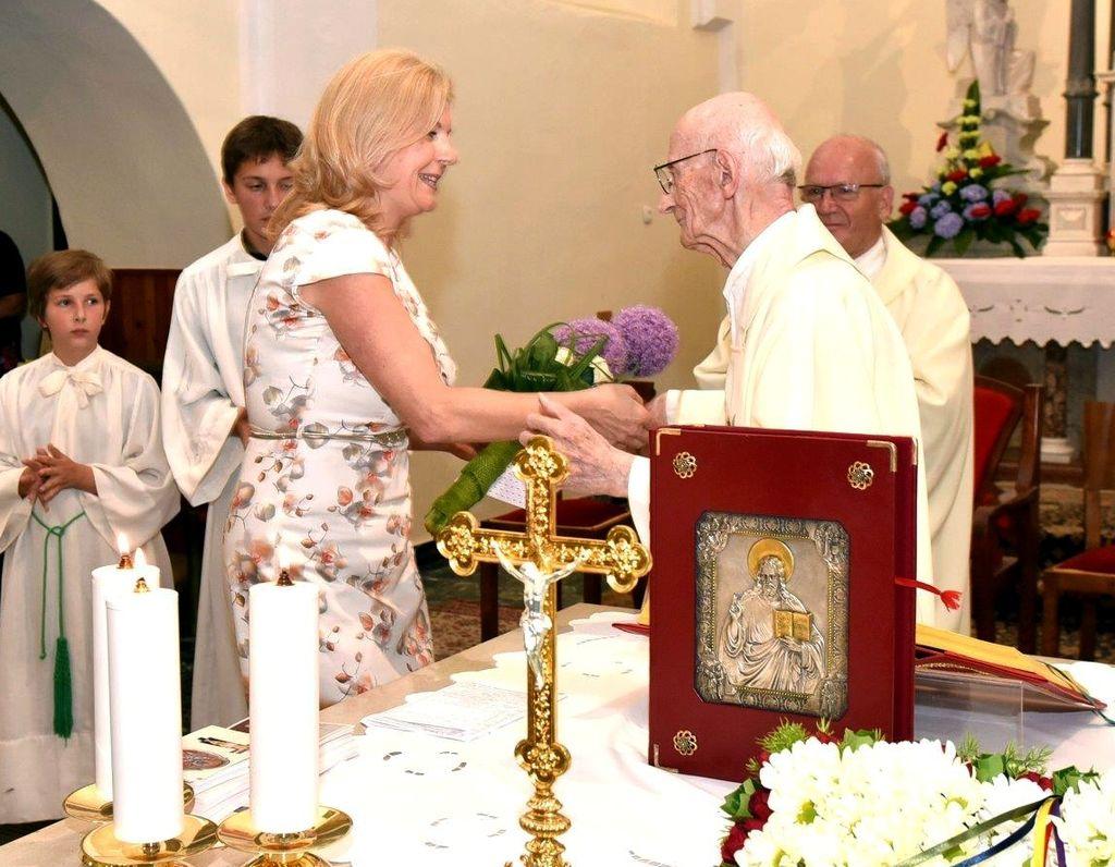 Vlado Rutar daroval diamantno sveto mašo