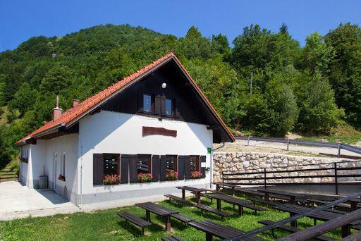 Obnova sanitarij v Planinskem domu v Marija Reki