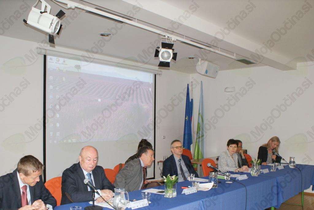 Povzetek foruma EU SI ti – OD ZIDOV K VSEBINAM