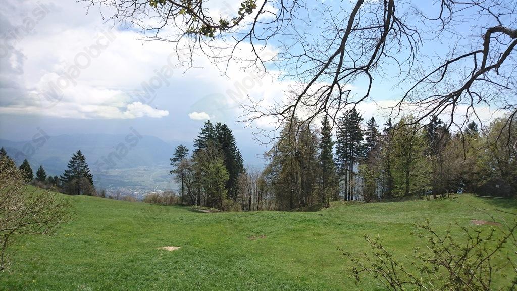 Planinska skupina Dvor na Golakih in Čavnu