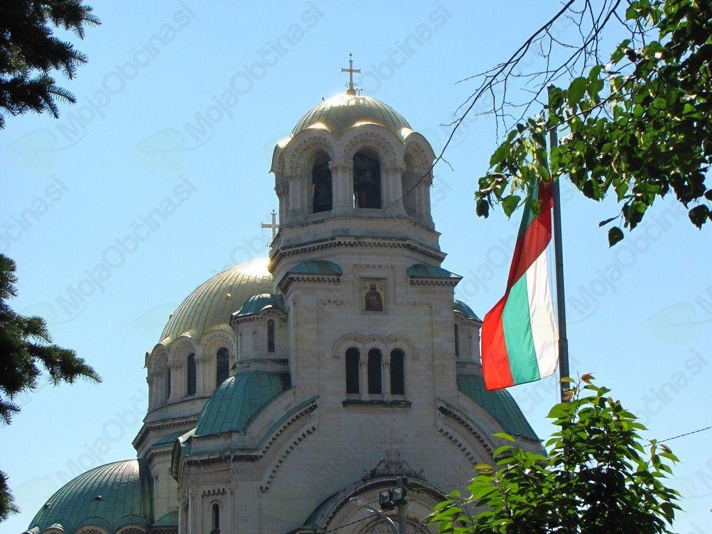 Zastava Bolgarije in cerkev Aleksandra Nevskega, Sofija