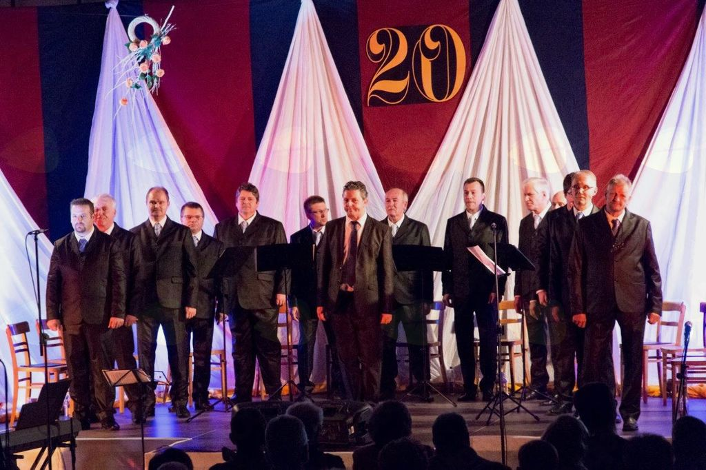 Vokalna skupina Chorus '97 praznuje