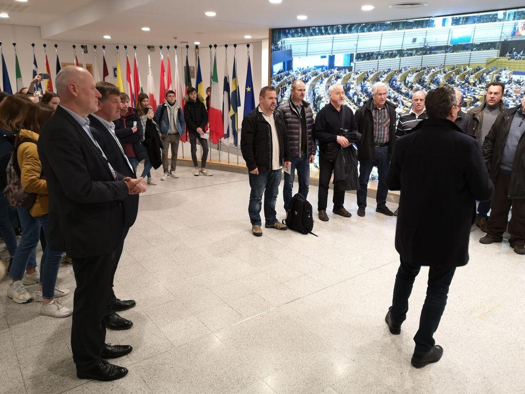 "Vokalna skupina Chorus ""97 v Bruslju"