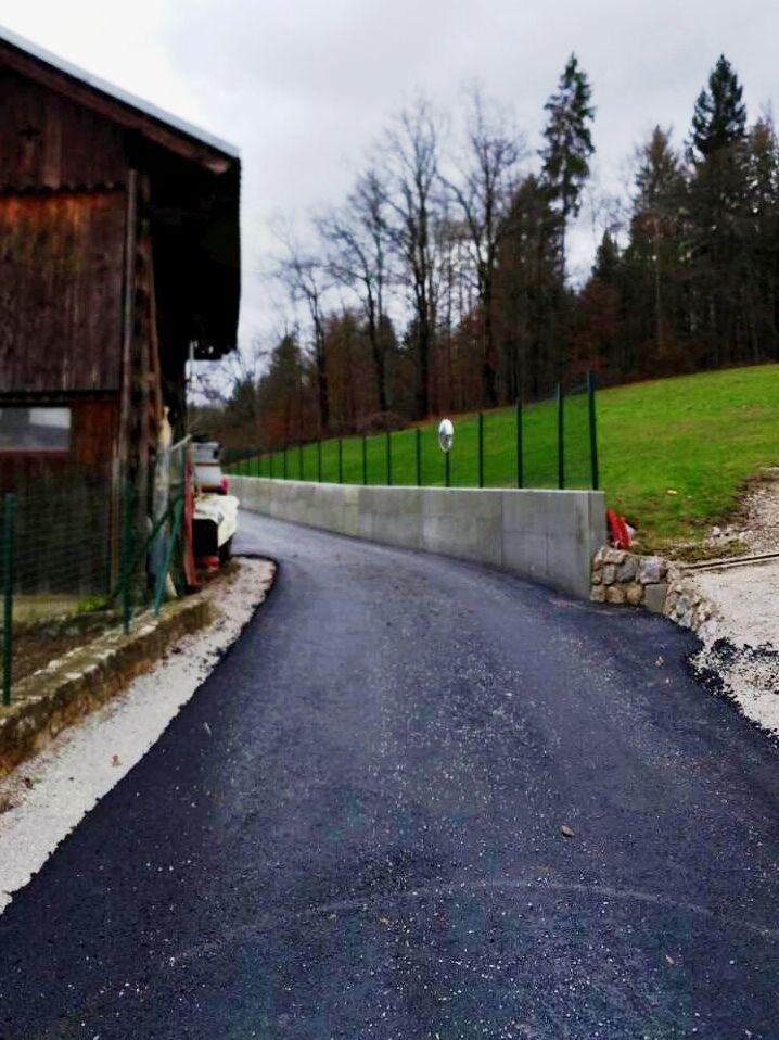Zg. Prapreče z novo asfaltno prevleko