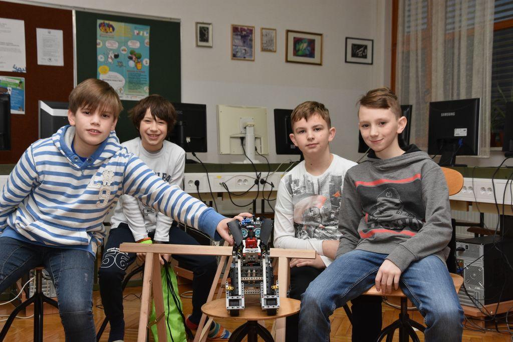 Top programerji in konstruktorji: Jaka, Anej, Gašper in Žan.