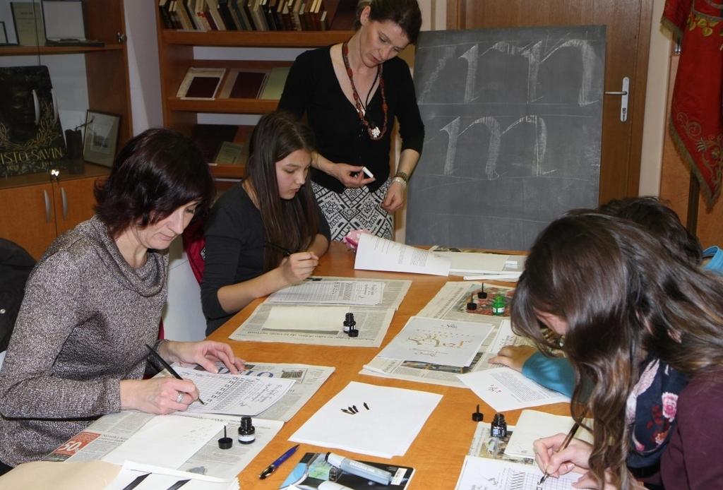 Tečaj kaligrafije v Medobčinski splošni knjižnici Žalec