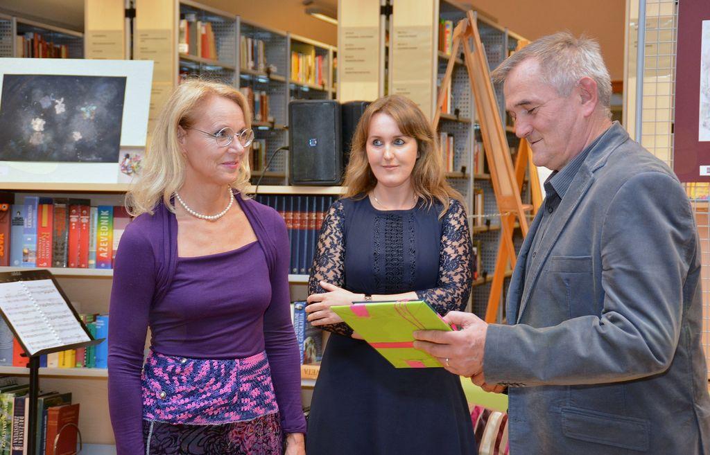 Dva ponirka: odprtje razstave likovnih del Savine Vybihal