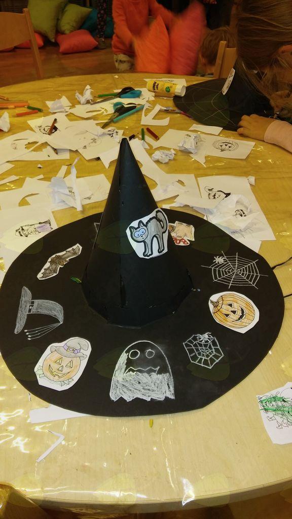 Čarovniška pravljična ura v Občinski knjižnici Prebold