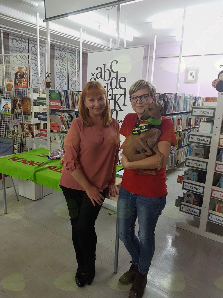 Poslušam za PET – pravljična ura v sodelovanju Medobčinske splošne knjižnice Žalec in terapevtskega para psičke Aurike in njene vodnice Helene