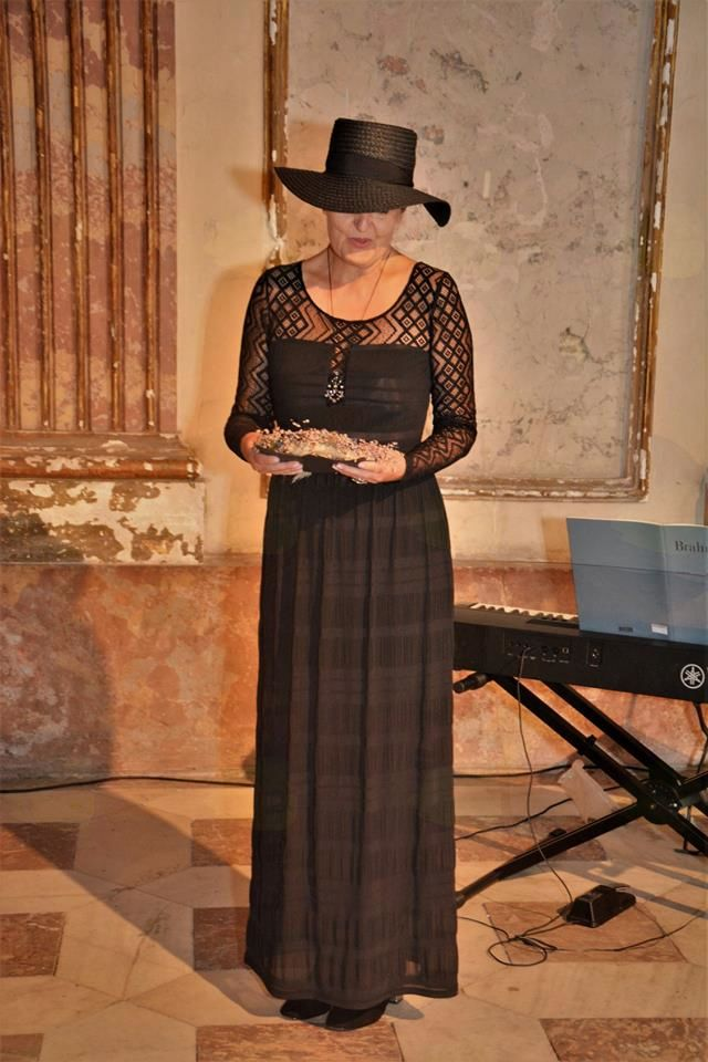 Fanny Haussmann: dokument in privid njene podobe