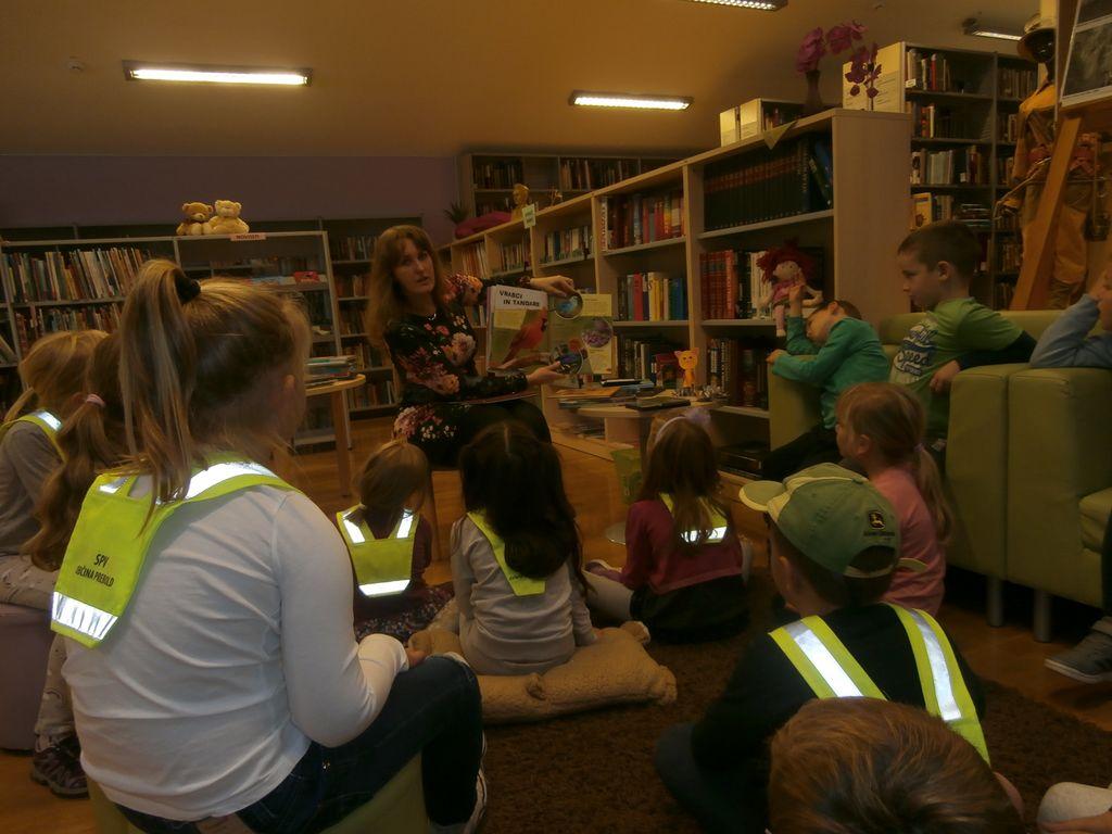Prvošolci v Občinski knjižnici Prebold