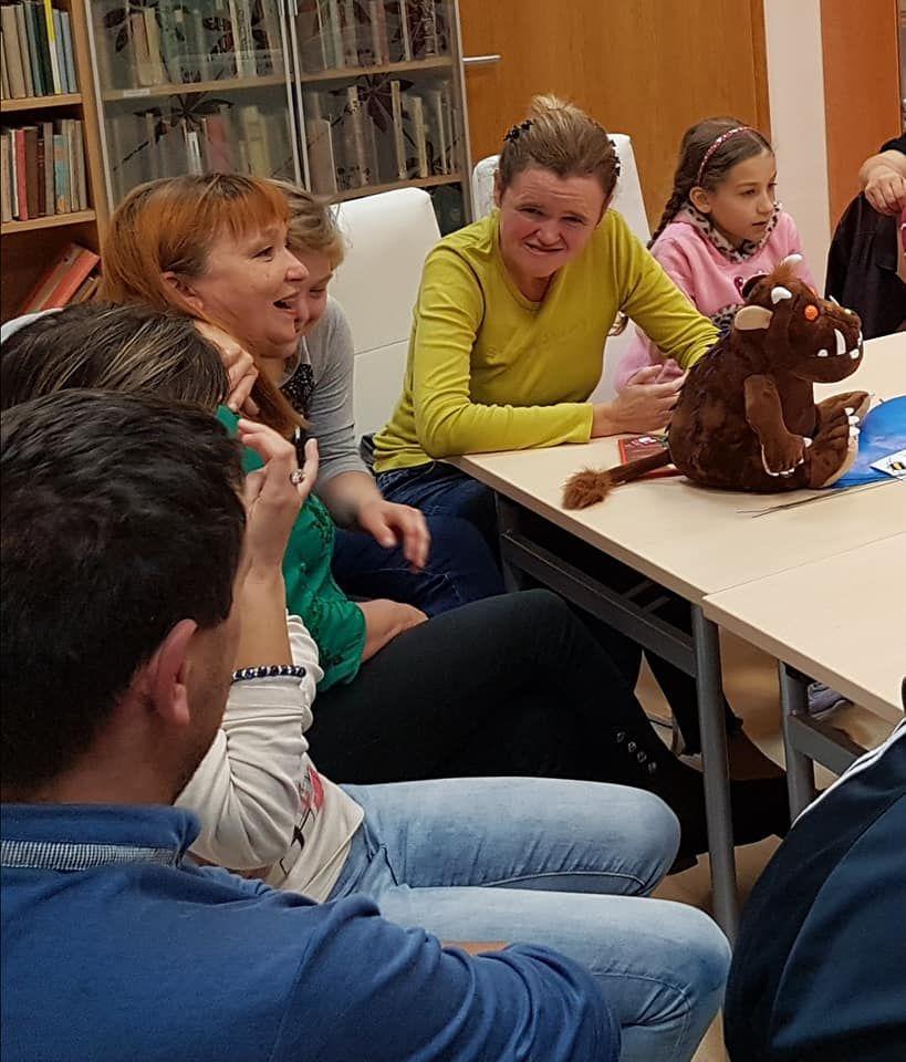 V sožitju s SOŽITJEM iz Žalca začeli novo sezono druženja z zgodbami v žalski knjižnici