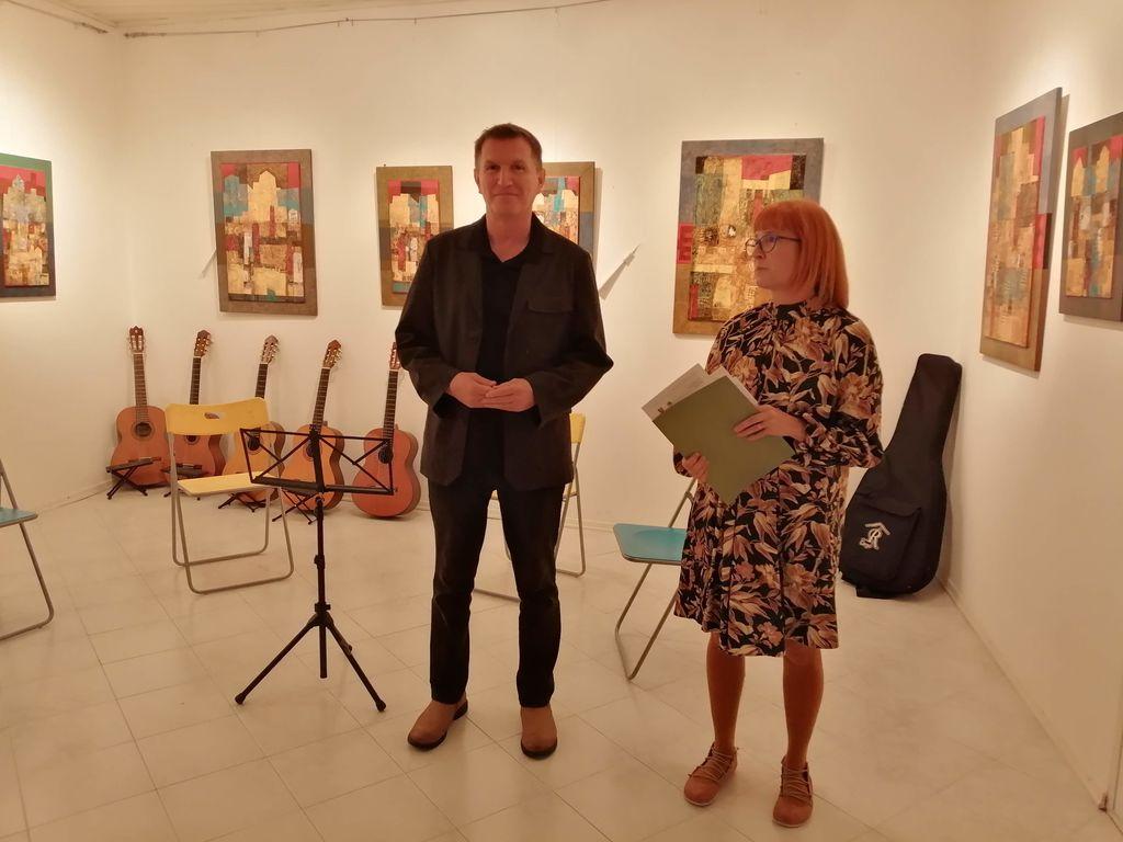 Lična hiša že šestnajst let odpira vrata umetnosti