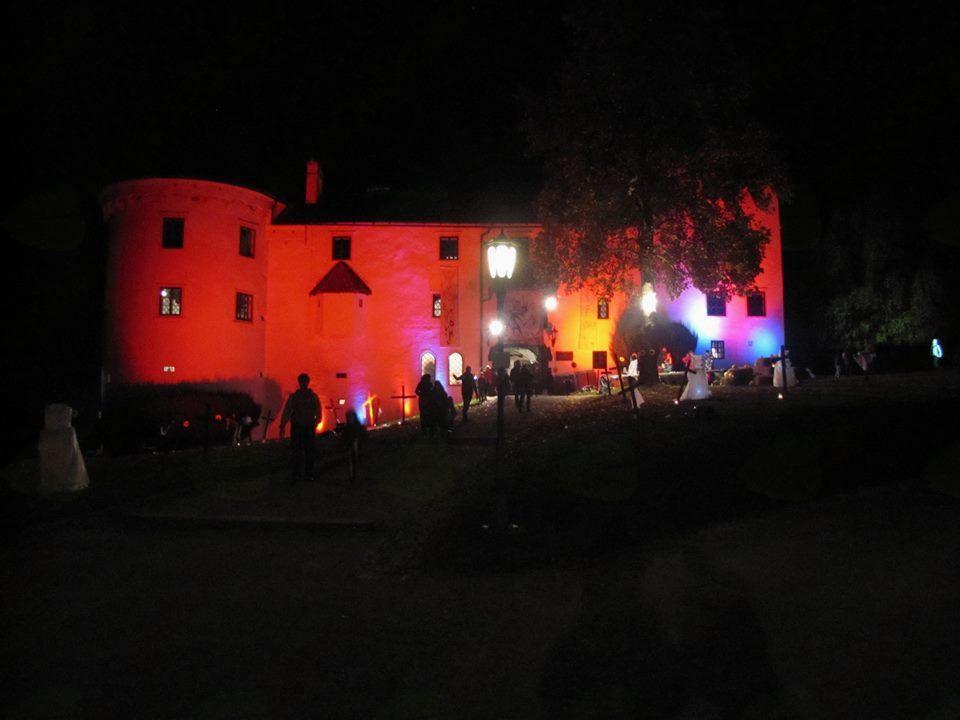 Grad Bogenšperk v večernem času