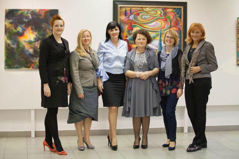 Sodelujoče na okrogli mizi Ali ženska energija ogroža? foto: Alenka S. Lamovšek