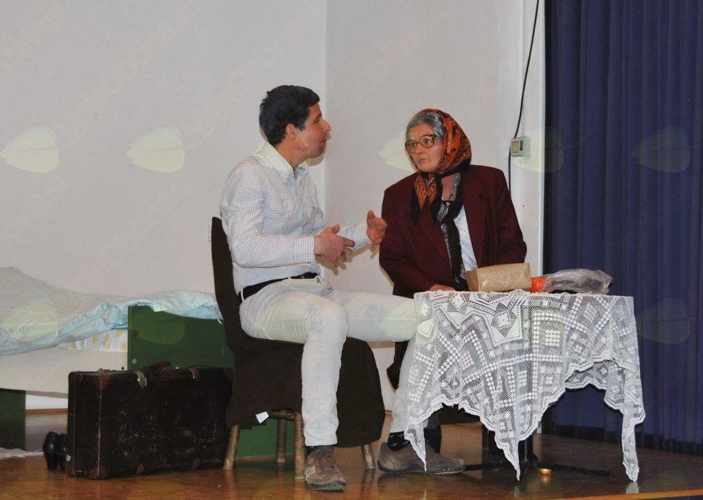 Predstava Čaj za dve do solz nasmejano občinstvo