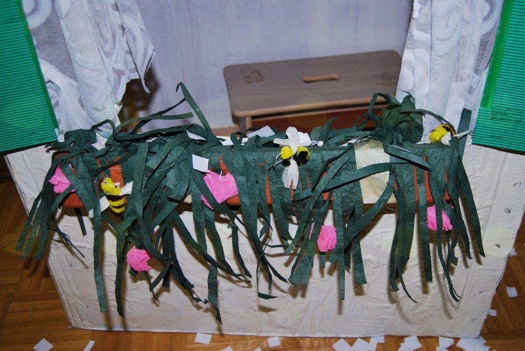 Muca Copatarica pospravila copatke na Dvoru