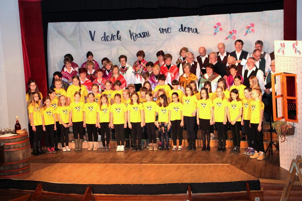PD Zvon in otroški pevski zbor OŠ Šmartno pri Litiji